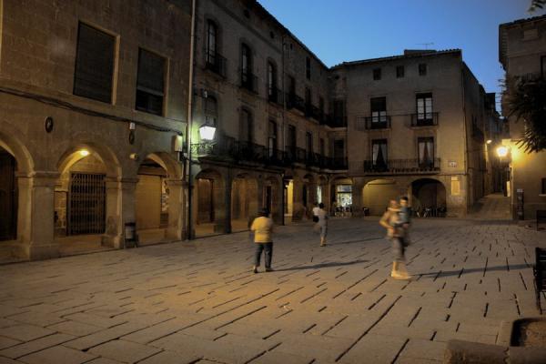 09.08.2012 Plaça Major, al vespre  Guissona -  Josep Maria Santesmasses Palou