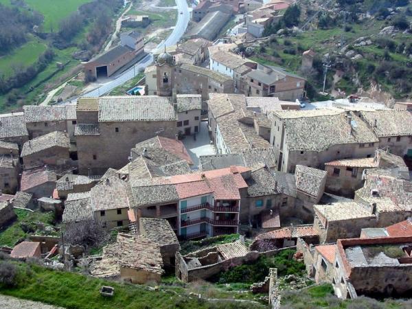 10.08.2012 Poble de Biosca, des del castell  Biosca -  Josep Maria Santesmasses Palou