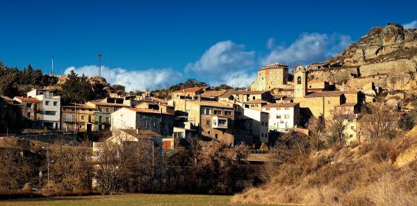 10.08.2012 Vista del poble  Biosca -  Araceli Merino