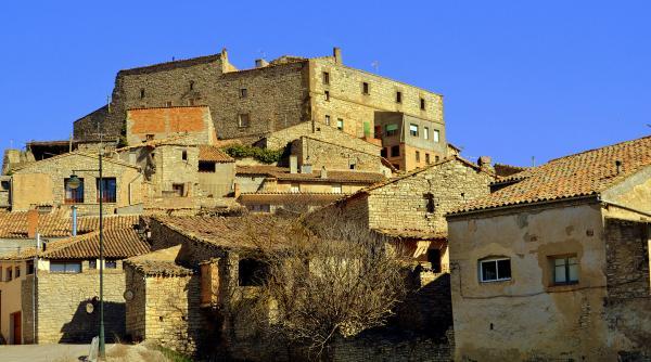 11.08.2012 La casa castell  Portell -  Angelina Llop