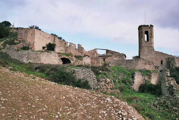 13.08.2012 '..És un nucli petit, amb cases que s'enrunen i fan munts de pedres.'  Montlleó -  Giliet de Florejacs