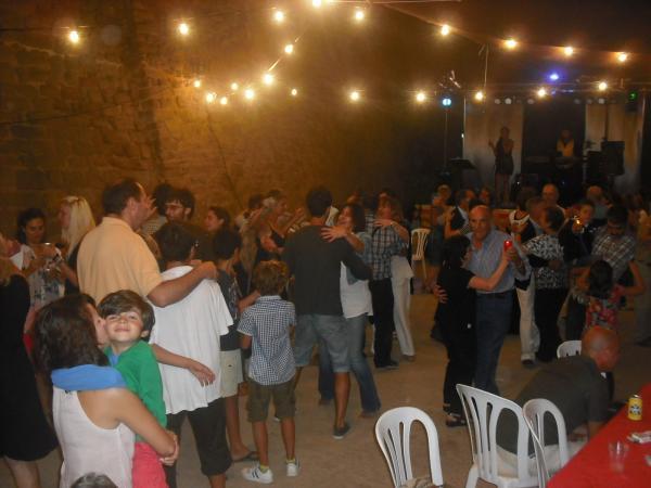 ball amb el duet Almadrava