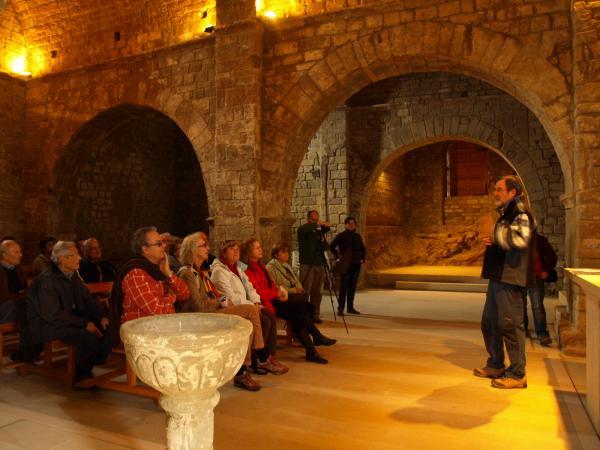 xerrada sobre l'art romànic dins Sant Pere de Talteüll - Talteüll