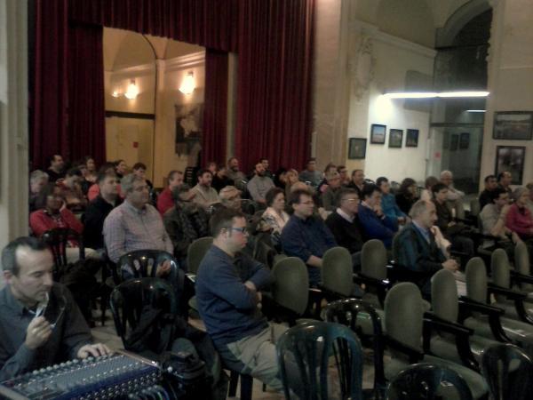 Els assistents al debat a l'Auditori de Cervera - Cervera