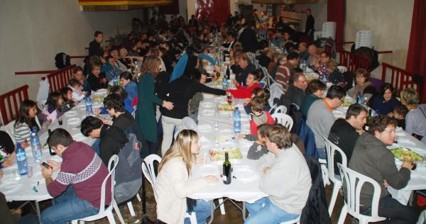 Sopar de festa major a la sala de ball de cal Pere - Sedó
