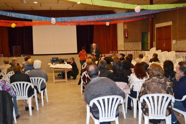 24.11.2012 Xerrada sobre el Càncer i projecció de l'audiovisual Sempre surt el sol  Hostafrancs -  Consell Comarcal de la Segarra
