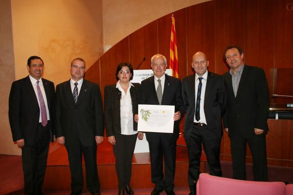 28.11.2012 Representants del Consell Comarcal de la Segarra amb el guardó  Barcelona -  Consell Comarcal de la Segarra