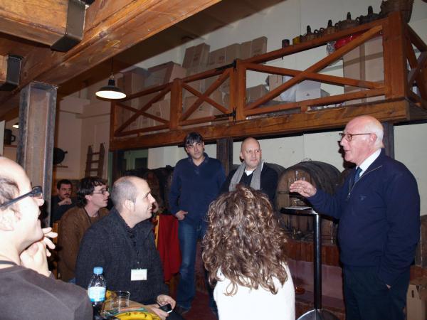 29.11.2012 Xavier Mercade explicant la Ratafia de Guissona a l'Espai la Fassina  Guissona -  Camins de Sikarra