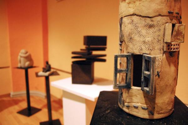 01.12.2012 Detall de l'exposició 'Escultura és cultura'   Guissona -  Laura Farré
