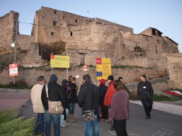 visita a les muralles de Montfalcó -