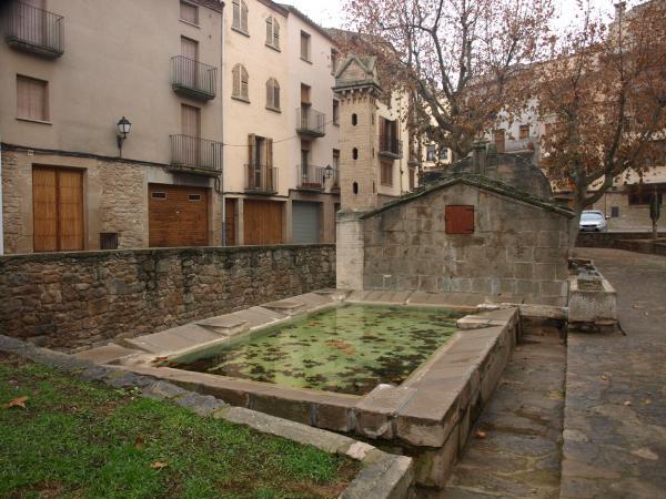 30.01.2013 plaça de la Font (safareigs)  Torà -  Camins de Sikarra