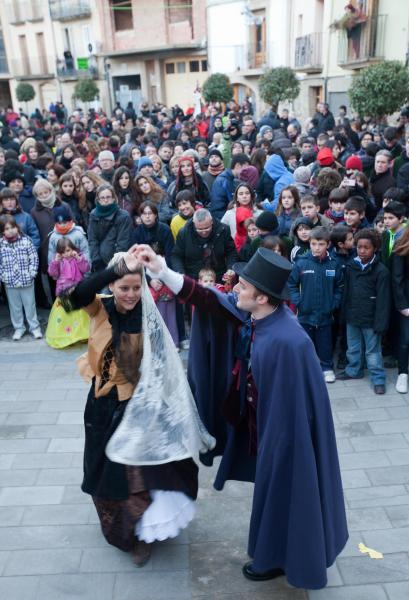 02.02.2013 Dansa del Bonic i la Bonica  Torà -  xavi santesmasses
