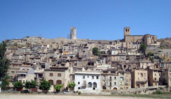 09.02.2013 Vista del poble  Guimerà -  Albert