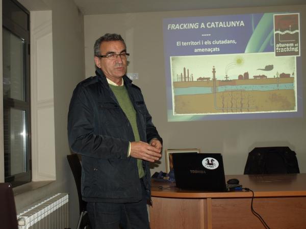 Jaume Gilabert, alcalde de Montgai, va presentar l'acte a Butsènit