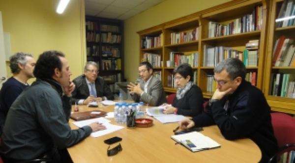 Trobada de membres de la PAF amb parlamentaris i senadors a la seu del PSC de Lleida - Lleida