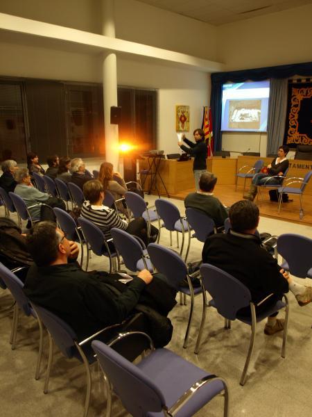 un instant de l'explicació de David Garcia, a la sala de plens de Rosselló - Rosselló