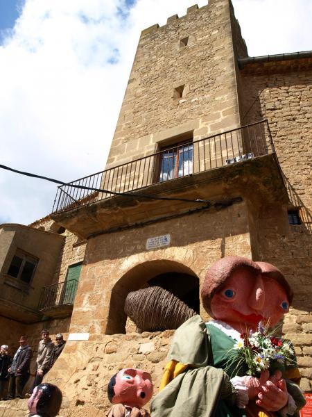 la geganta Eliardis és l'emblema de la Fira de Florejacs - Florejacs