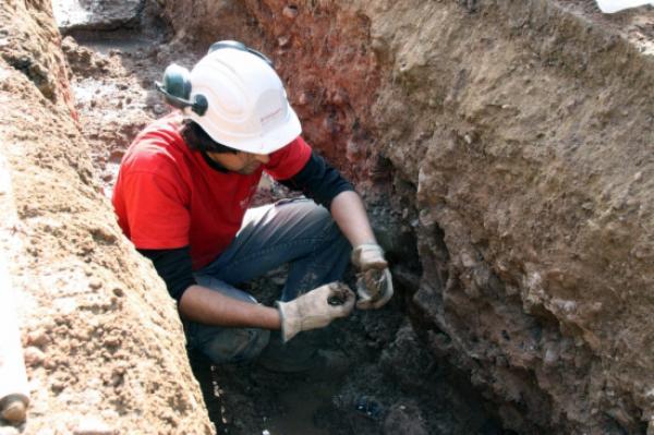 Les obres han permès descobrir peces ceràmiques de diferents èpoques - Els Prats de Rei