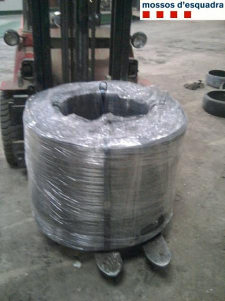 Dos detinguts per robar dues tones d'acer en una empresa de Cervera