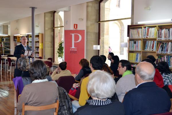 21.03.2013 Celebració del Dia Mundial de la Poesia a la biblioteca comarcal Josep Finestres  Cervera -  CC Segarra