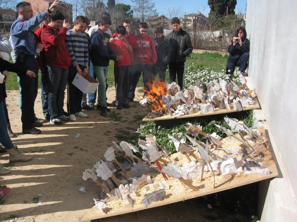 22.03.2013 Alumnes de 2n d'ESO de l'Escola Mare de Déu del Roser en el taller educatiu El Foc i tu  Guissona -  CC Segarra