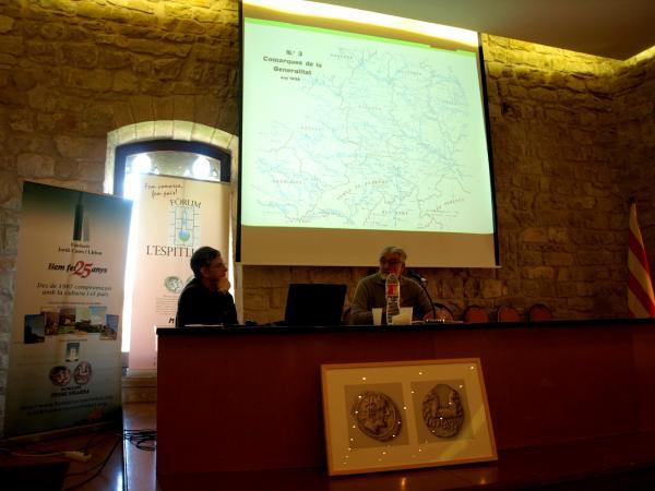 Guiu Sanfeliu (GR Terres de Ponent) i Manuel de Sanz (Fundació Tekhnikós) exposen els imprecisos límits de la Segarra - Santa Coloma de Queralt
