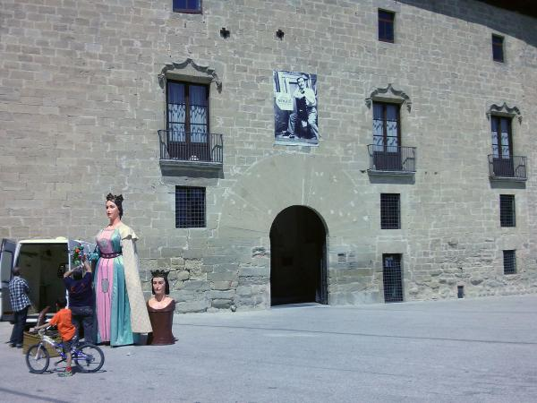 06.05.2013 plaça del castell  Santa Coloma de Queralt -  Ramon Sunyer