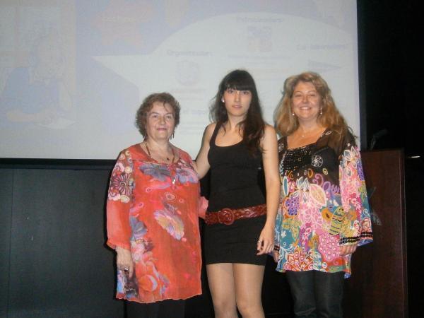 11.05.2013 Judith Vilardell, alumna de 4t d'ESO, guanyadora del 1rconcurs interescolar de dibuix Tintinaire  Guissona -  Ajuntament Guissona