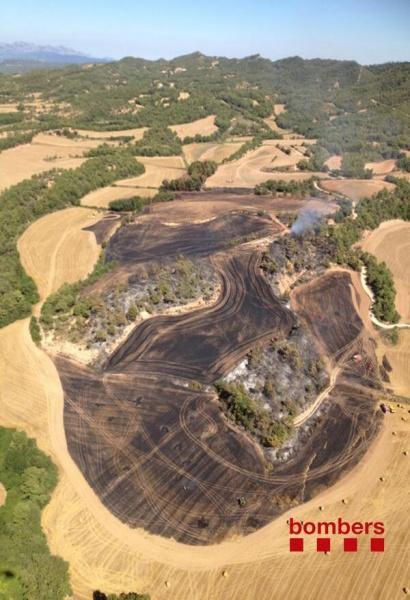El foc ha cremat 4 ha al paratge de Ballesteres, a la zona del Castell de Queralt, - Bellprat