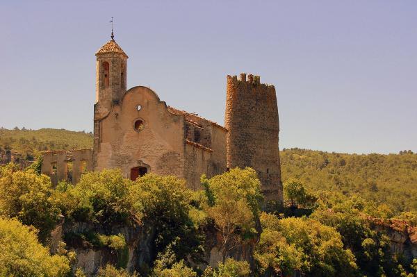 13.08.2013 Castell de Santa Perpètua i església de Santa Maria  Pontils -  Àngela Llop