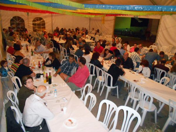 31.08.2013 sopar festiu de la trobada intergeneracional   El Llor -  Ajuntament TiF