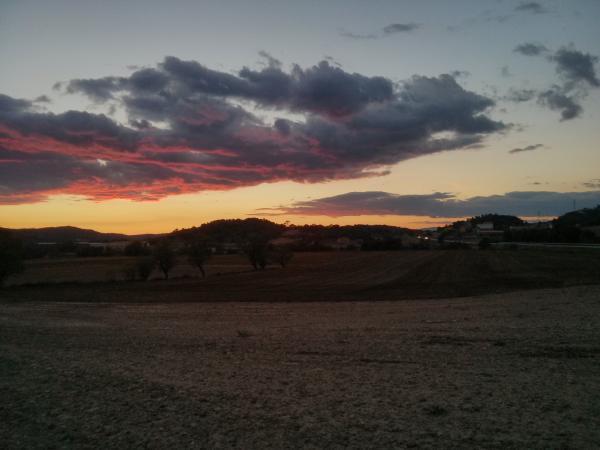 06.10.2013 Posta de sol tardorenca  Torà -  ramon sunyer
