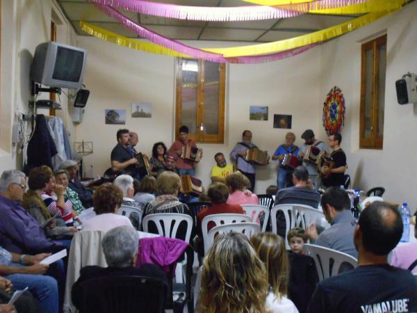 05.10.2013 Festa del Roser va comptar amb l'actuació del grup d'acordions diatòniques  Palou -  Ajuntament TiF