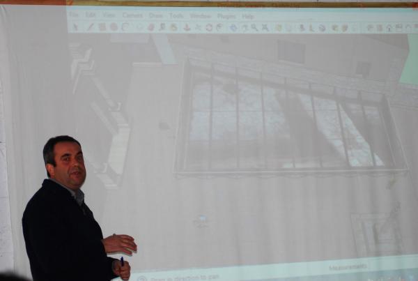 14.11.2013 Pere Tardà mostrant una simulació 3D del projecte  Els Prats de Rei -  Ramon Sunyer