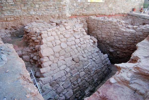 13.11.2013 Muralla del jaciment íber  Els Prats de Rei -  Ramon Sunyer
