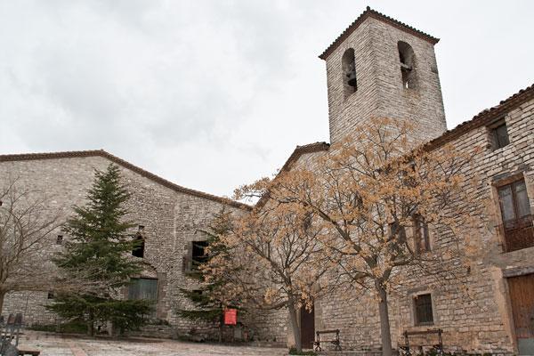 20.11.2013 L'església parroquial de Santa Magdalena de Vergós Guerrejat és d'estil neoclàssic senzill  Vergós Guerrejat -  Ajuntament d'Estaràs