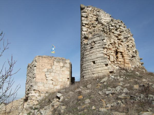 02.01.2014 Els despreniments al castell sant Miquel d'Alta-riba afecten el torreó del segle XII  Alta-riba -  AACSMA