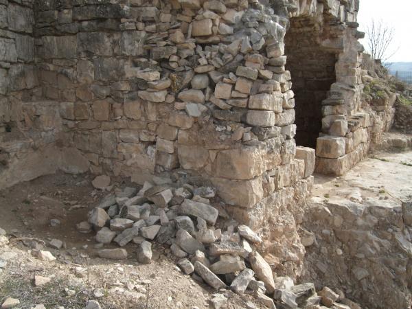 Despreniments al castell sant Miquel d'Alta-riba - Alta-riba