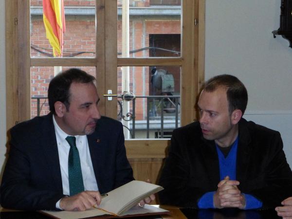 El conseller Espadaler i l'alcalde de Guissona - Guissona