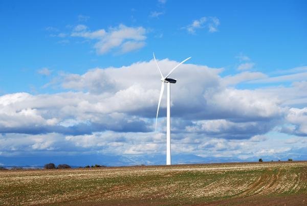 El municipi de Pujalt té 50 aerogeneradors al seu territori - Pujalt