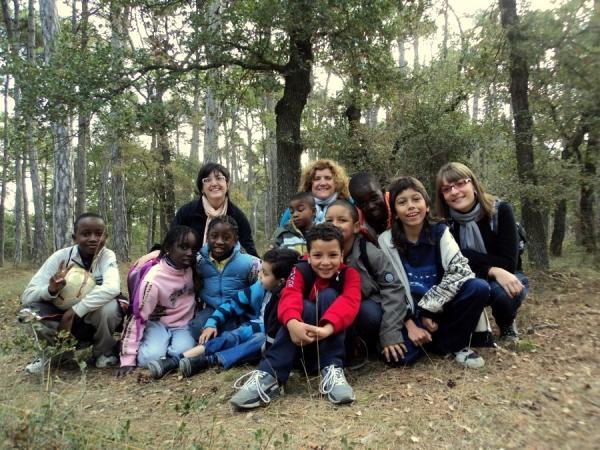 imatge d'axiu d'una activitat dels nens de Càritas - Sant Guim de Freixenet