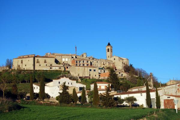 04.04.2015 Vista del poble  Aguiló -  Ramon Sunyer