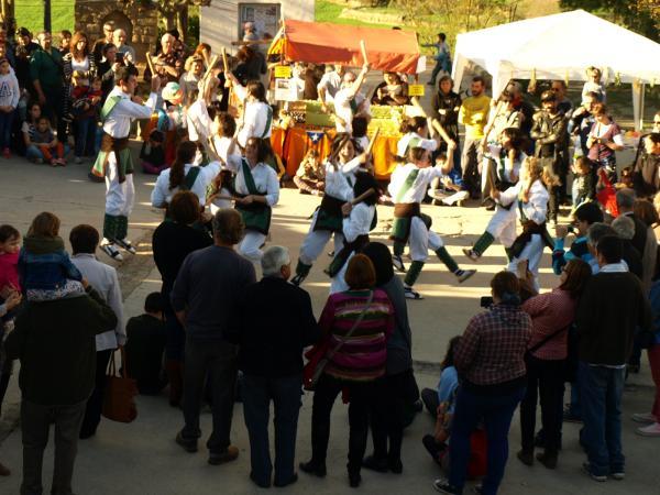actuació de la colla bastonera de Sedó - Florejacs