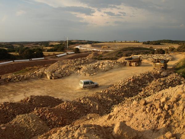obres del Canal Segarra - Garrigues al seu pas per la Segarra -
