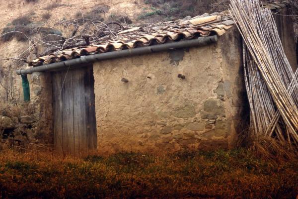 20.04.2014 cabana de teula  Vall del Llobregós -  Ramon Sunyer