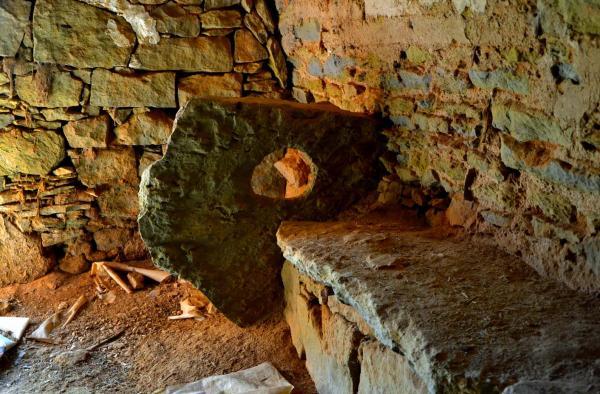 30.04.2014 Detall de l'interior d'una cabana  Els Plans de Sió -  Àngela Llop