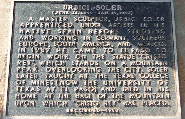 Placa commemorativa a la tomba d'Urbici Soler -