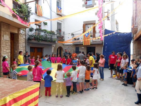 10.05.2014  inflables pels infants  Palou -  Ajuntament TiF