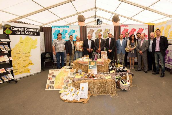 18.05.2014 estand del Consell Comarcal a la Fira de Sant Isidre  Cervera -  Jordi Prat