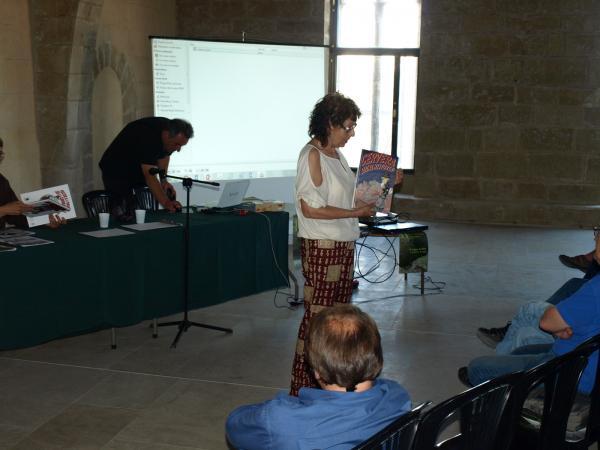 la historiadora M. Teresa Salat durant la presentació dels còmics del CMC - Verdú